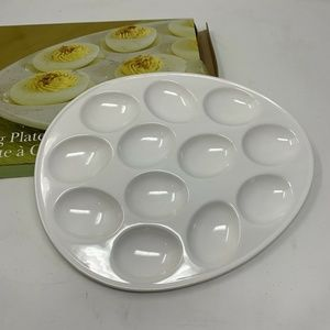 Blackhawk Marketing white ceramic Egg Dish footed